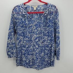 LUCKY BRAND blue & creme top embroidery detailing